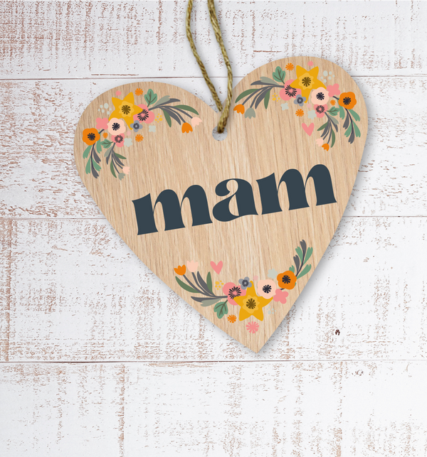 Mam (Mum) Painted Wooden Gift Decoration