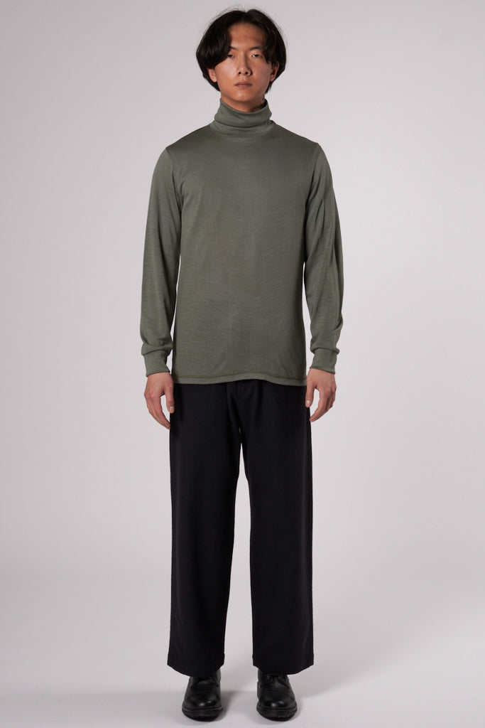 Trinity Turtle Neck mineral green