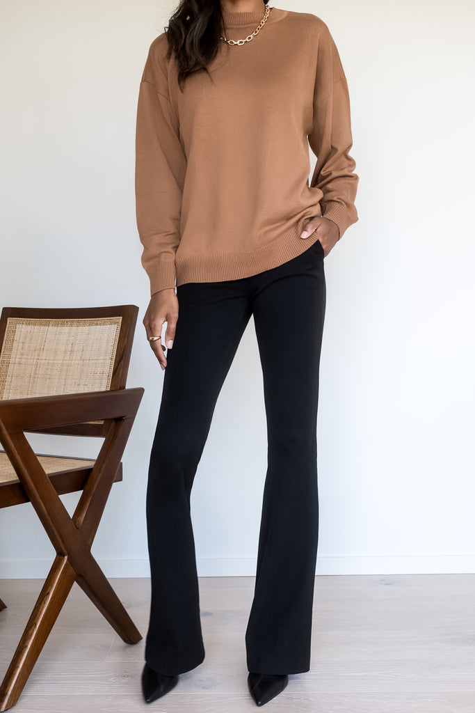 Thin Knitted Pullover – Camel