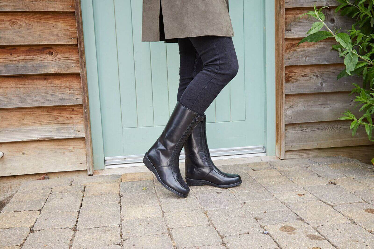 10 Stylish Sheepskin Boots To Buy This
