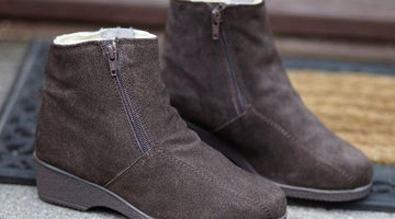 How are sheepskin boots made?
