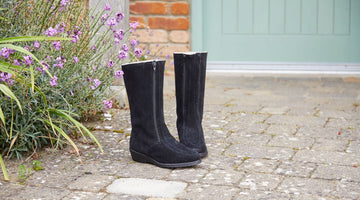 Women's Shearling Boots - Effective & Strong Protection for Feet in Winter