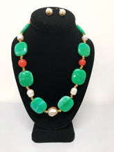 Load image into Gallery viewer, Emerald Stone Necklace Set.