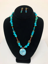 Load image into Gallery viewer, Turquoise Stone Pendant Necklace Set