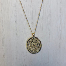 Load image into Gallery viewer, Aria Coin Pendant Bead Necklace