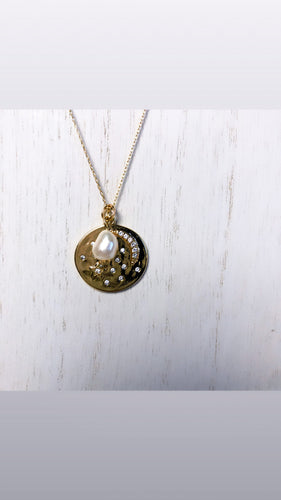 Asha Pendant Pearl Necklace (Gold-Filled)