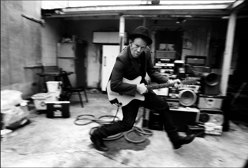 Tom Waits - (TW002DCL)