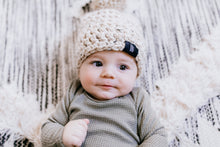 Load image into Gallery viewer, Oatmeal Pom Hat