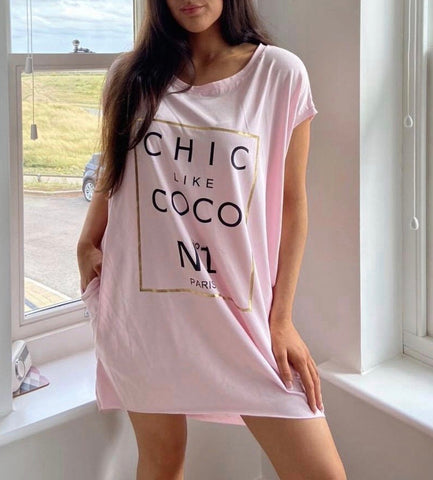 Chic Coco Slogan T Dress in Pink