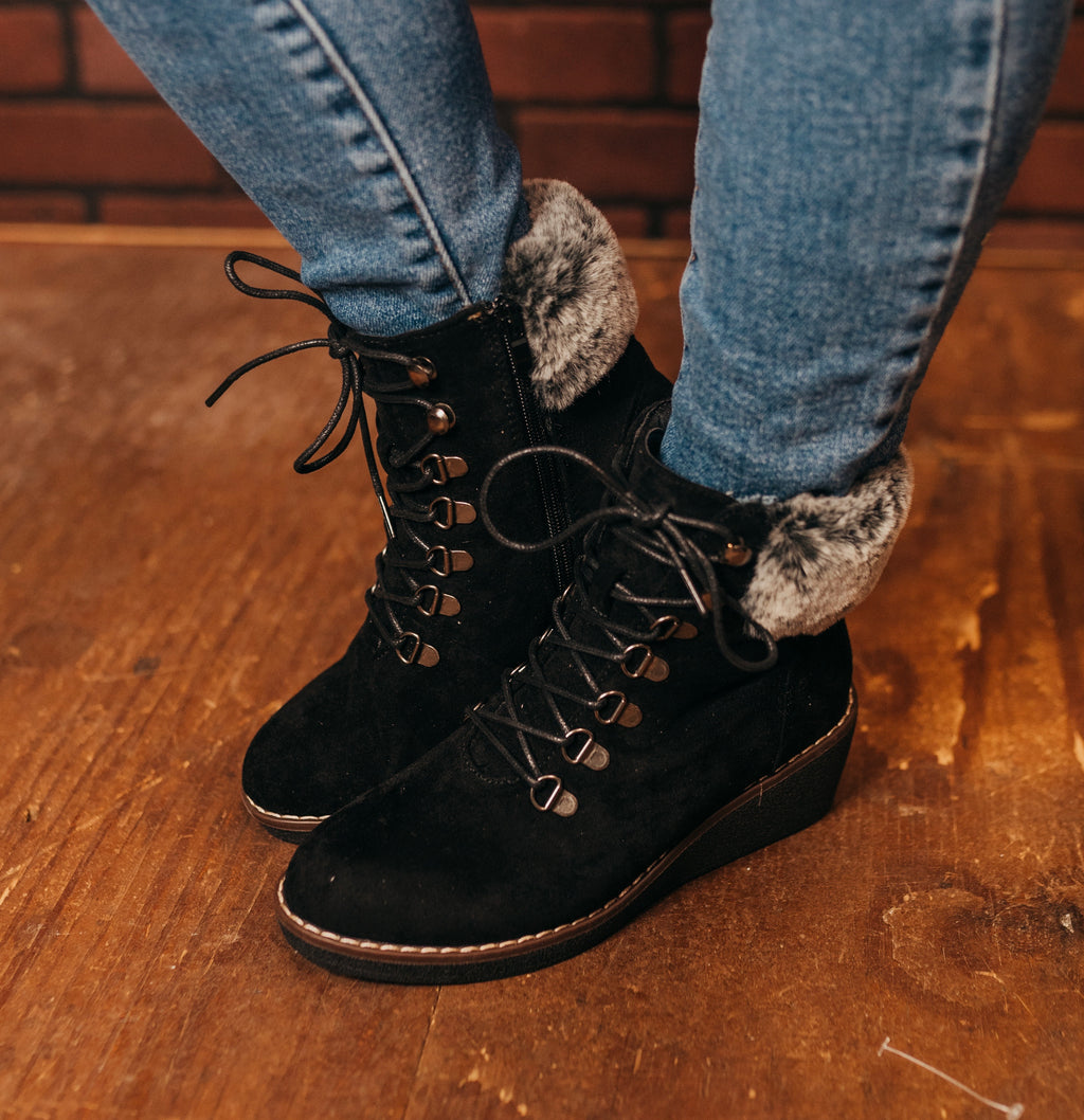 Fox Bay Black Boot