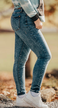 High Waisted Mineral Wash Skinny Judy Blues