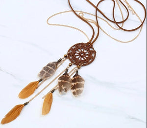 Handmade Bohemia Dream Catcher Necklace with Feather Pendant
