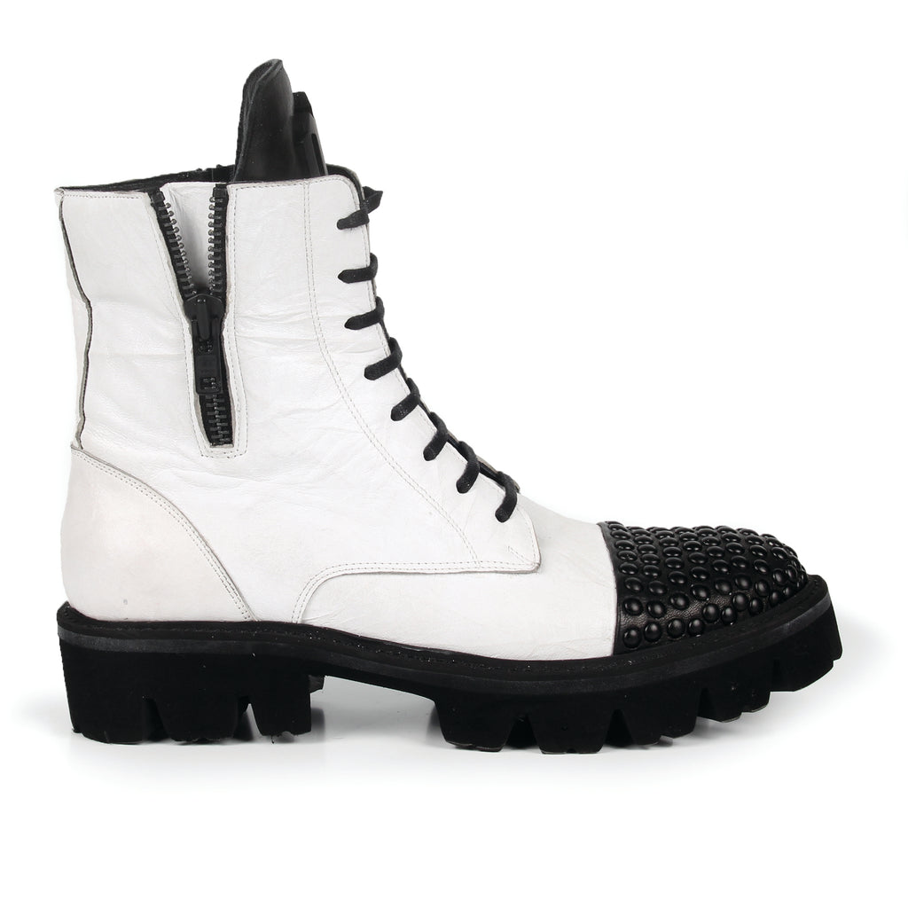 Delayna- SG3014 Washed Leather Studded Toe Boots- Unisex