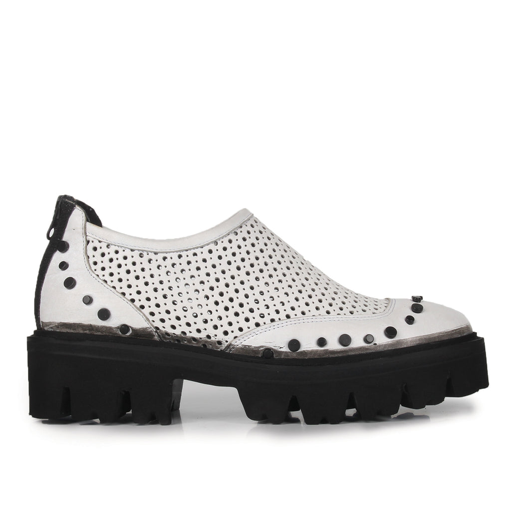 River- SG2025 White Leather Hole Punched Summer Shoes