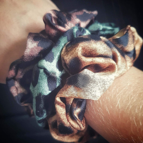 scrunchies med leopard print
