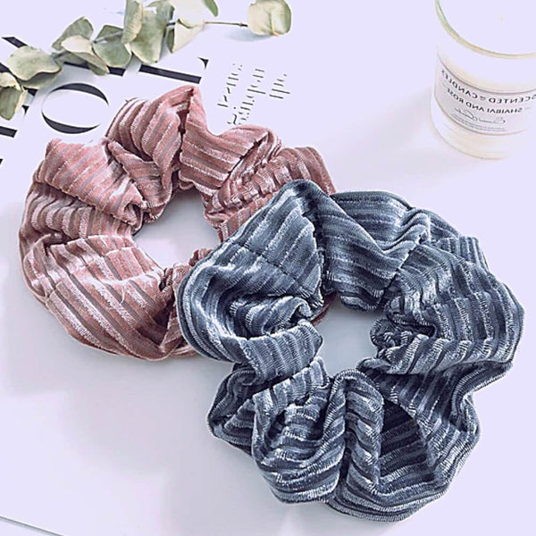 Dolly Riflet Velour Scrunchie Rosa