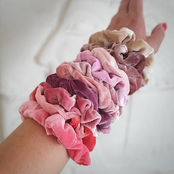 store scrunchies i velour