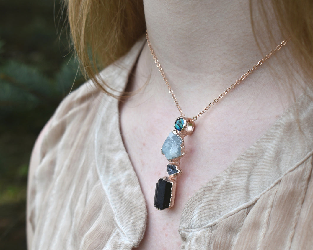 Custom Gemstone Necklace, Custom Birthstone Necklace, Custom Mom Jewelry, Raw Gemstone Jewelry, Rough Gemstone Jewelry, Organic Necklace