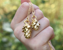 Load image into Gallery viewer, Pinecone Jewelry, Pinecone Pendant, Pinecone Necklace, Nature Jewelry Women, Woodland Jewelry, Unique Gold Necklace, Nature Lover Gift