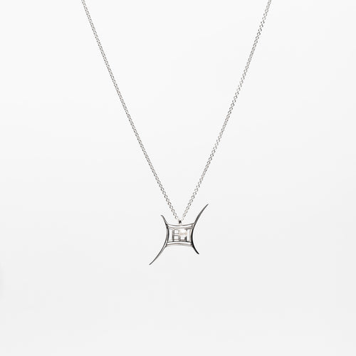 Court Pearl Necklace