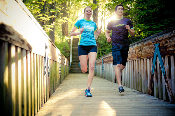 Blue Seattle running top womens short sleeve and mens black - Run Seattle Run