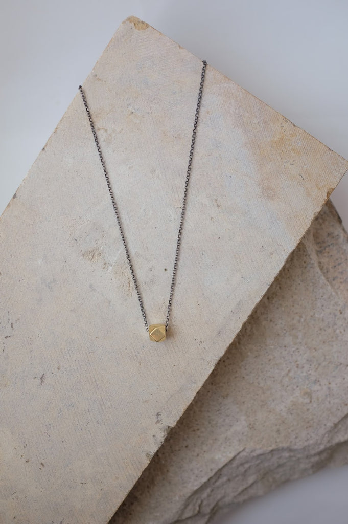 Kivi Necklace