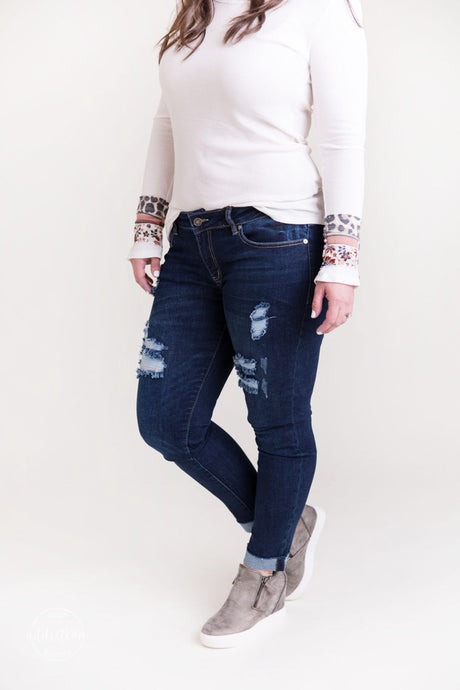 True to Your Heart KanCan Distressed Jeans [Raw Hems]