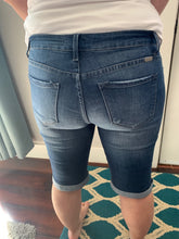 Load image into Gallery viewer, Summer Days KanCan Jeans [Bermudas]