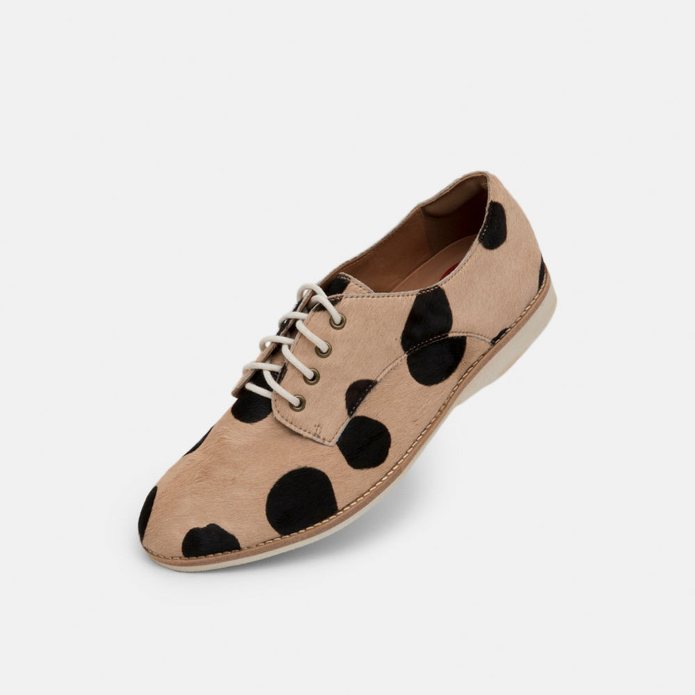 Derby Beige/Black Spot