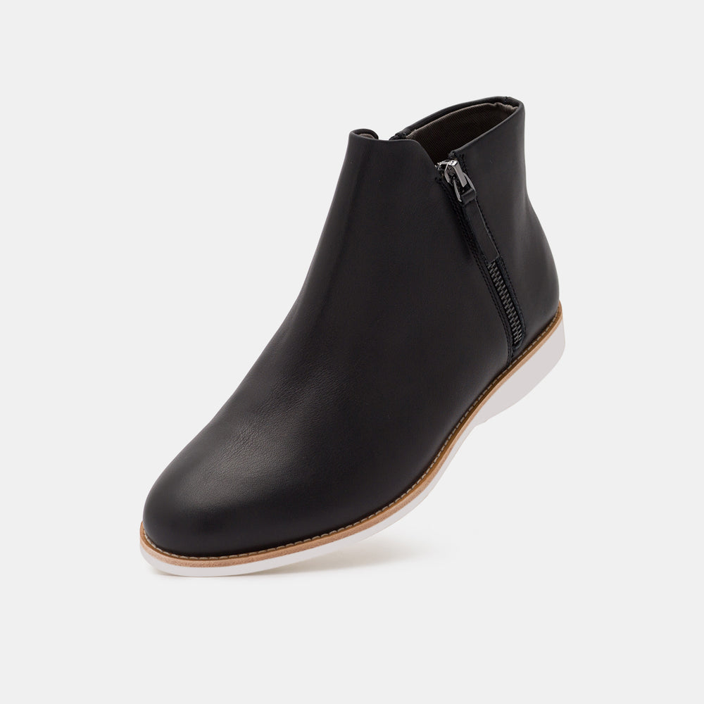 Side Zip Boot Black Leather