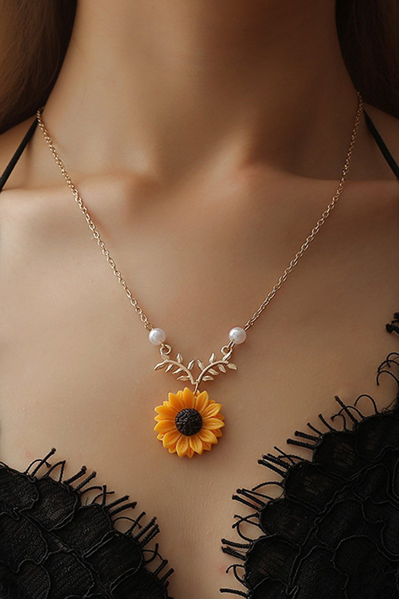 Sun Flower And Pearl Necklace Pendant