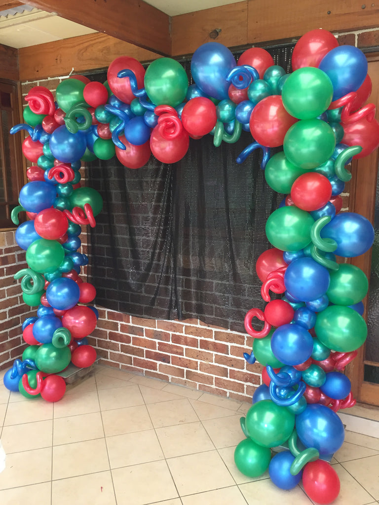 Balloon Arch , Square Random Size Balloons with Spirals (2m high)