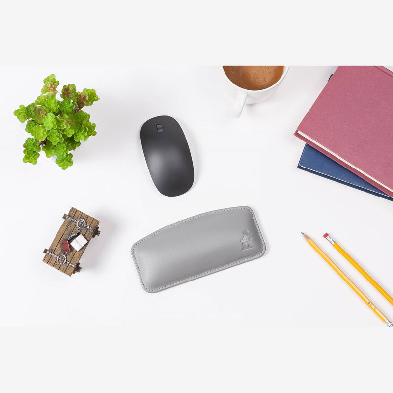 Castle Motte Genuine Leather Mouse Wrist Rest with Mouse Gray