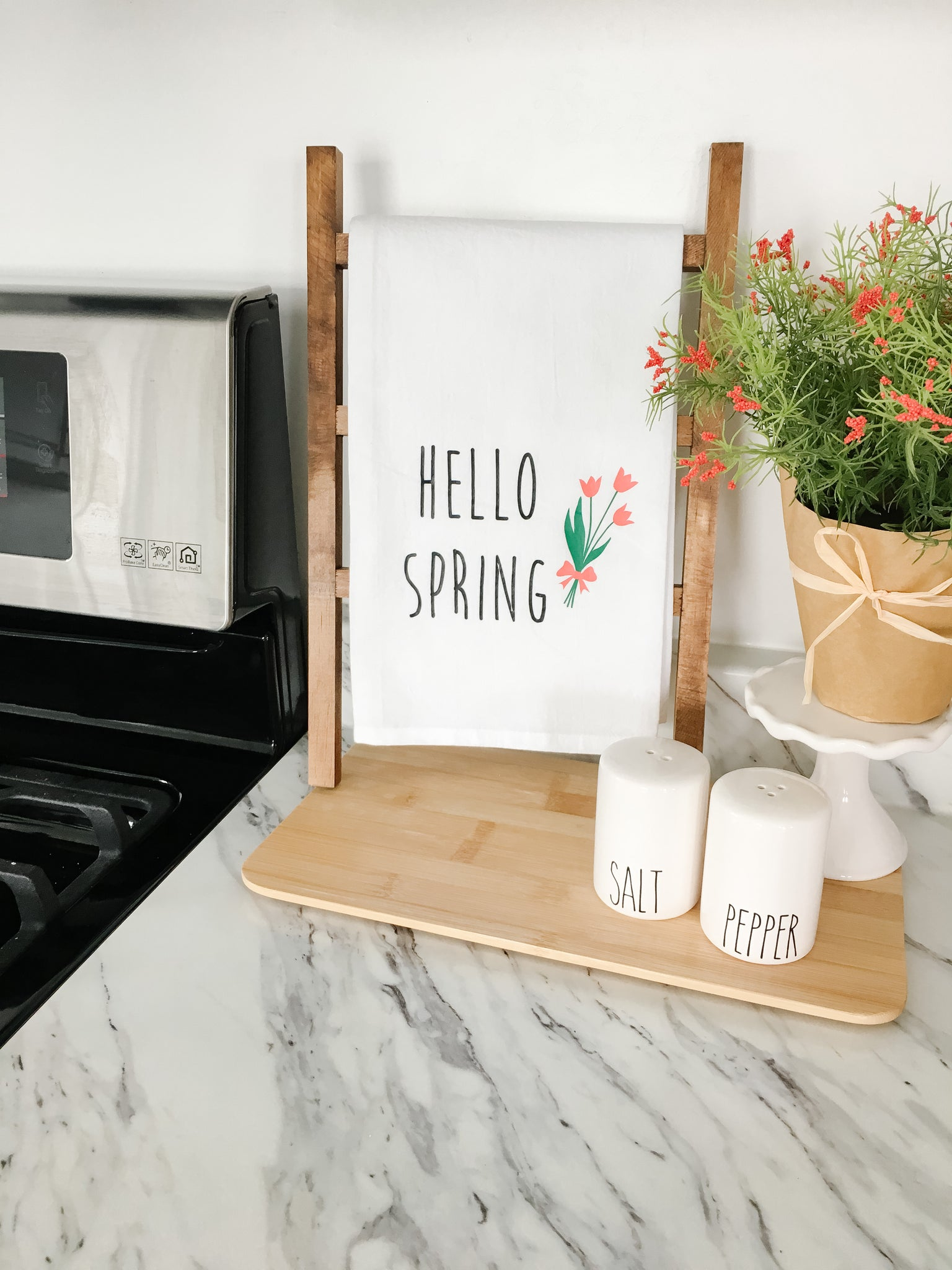 Hello Spring Tea Towel With Tulips