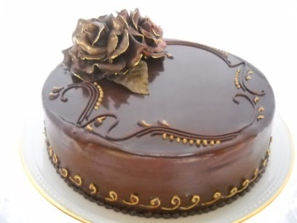 4/7 - 10:00 - 4:00 Chocolate Ganache Torte & Roses, Instructor: Chef Lucy Ayerbe