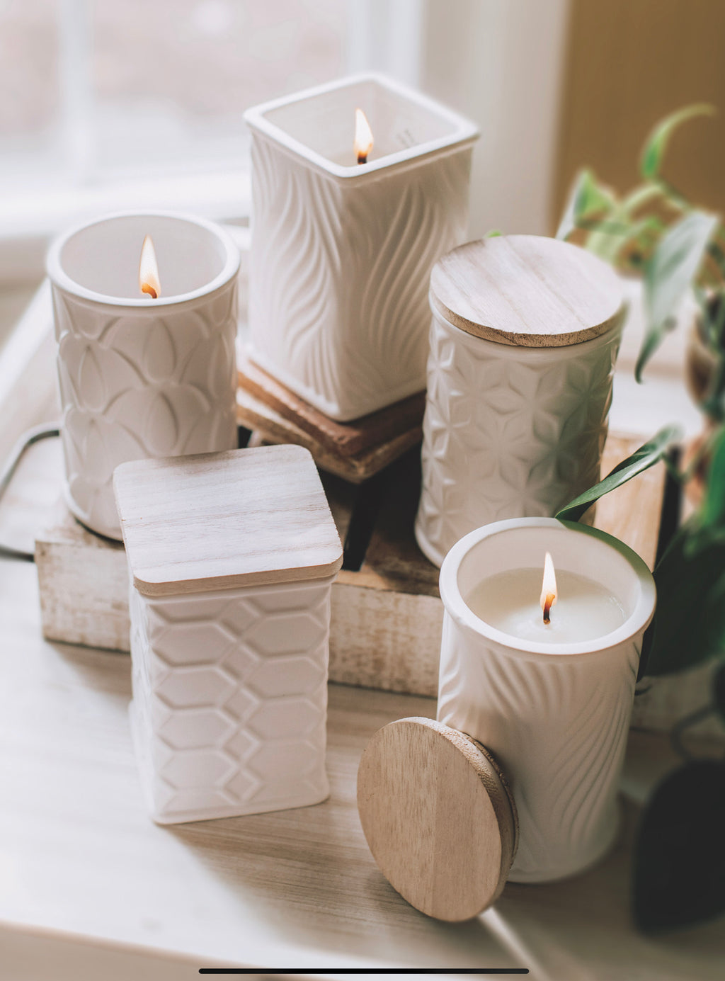 White round and square candles