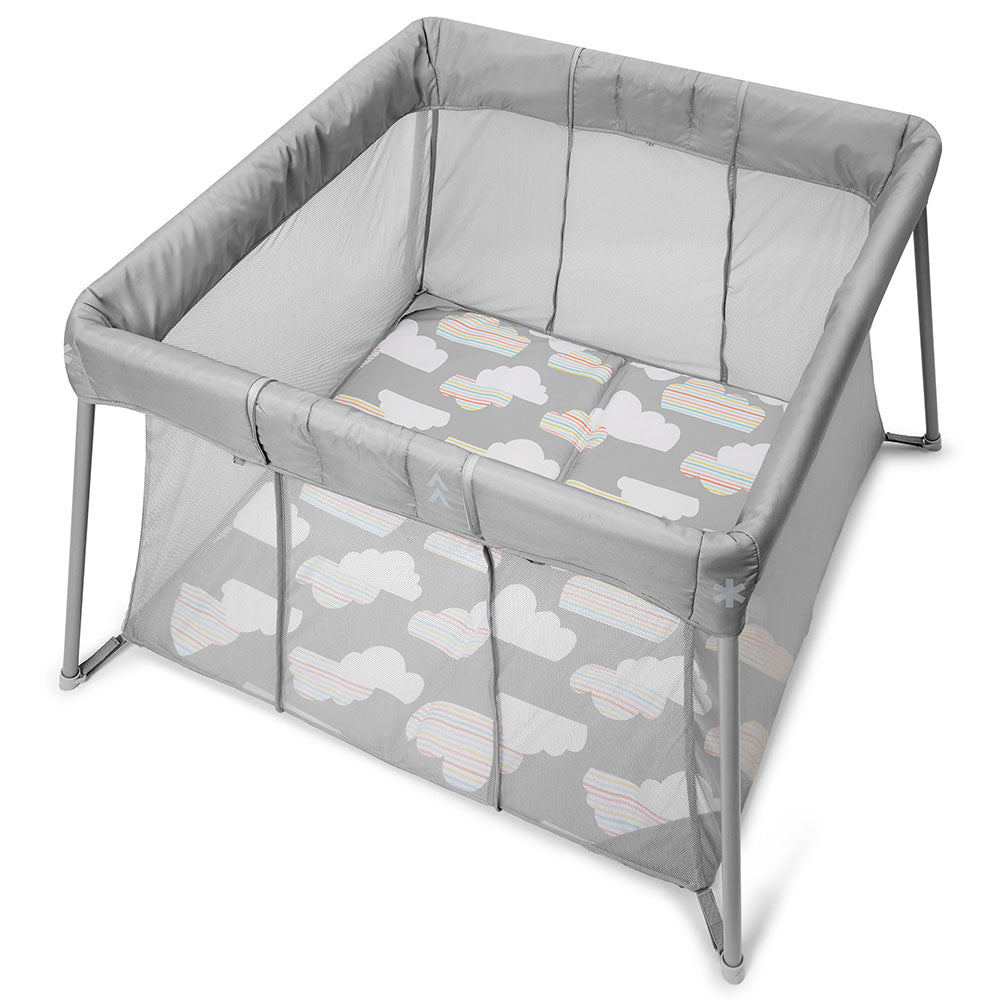 Skip Hop Play to Night Expanding Travel Crib- Grey/Clouds (1)