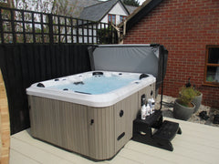 Outdoor Life Hot Tub
