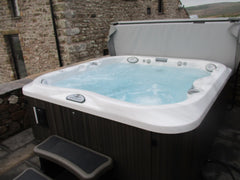 Hot Tub Installation for Redmayne