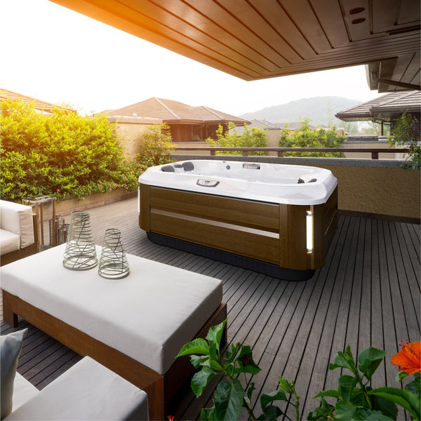 outdoor living hot tub