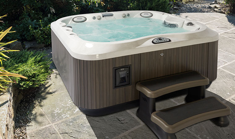 The Best Hot Tubs For Your Garden Jacuzzi Direct