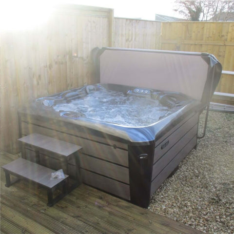 Outdoor Companion Hot Tub