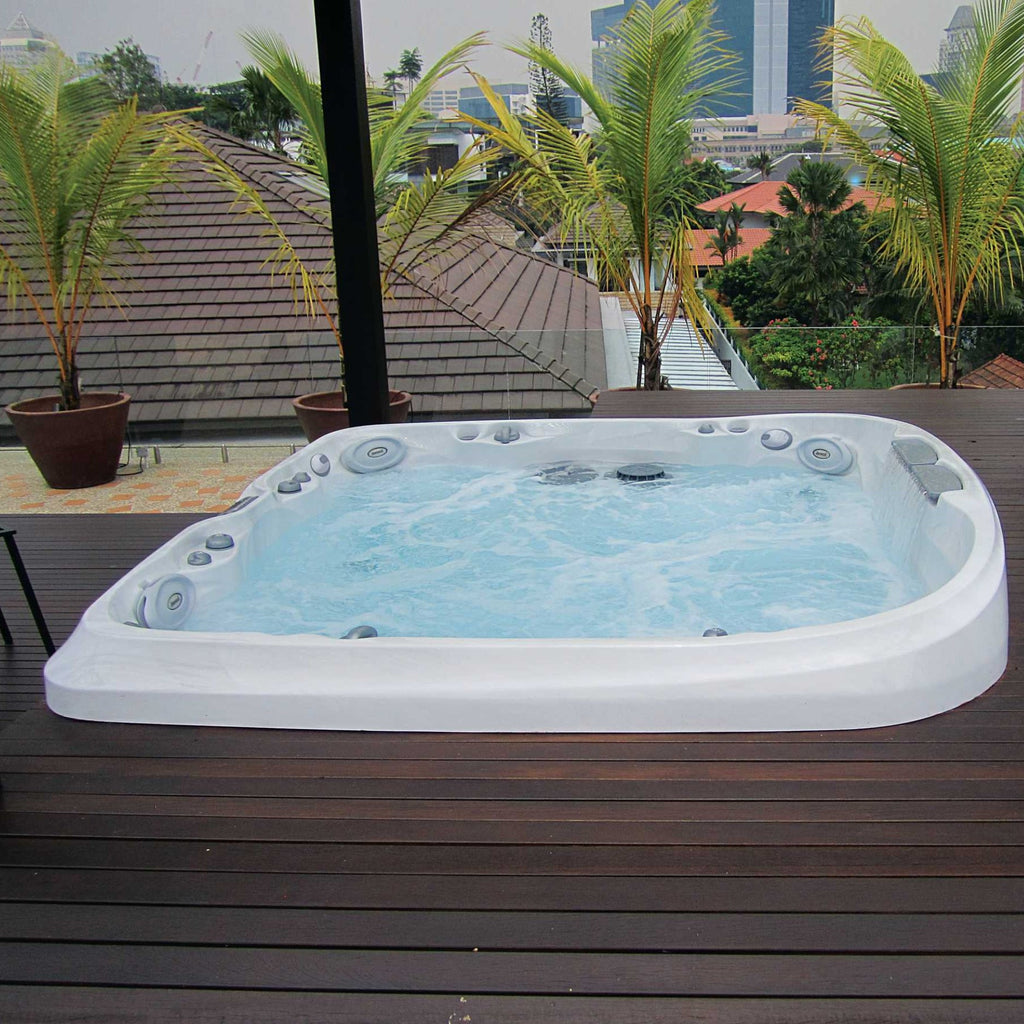 jacuzzi j470ip hot tub outdoor living. Black Bedroom Furniture Sets. Home Design Ideas
