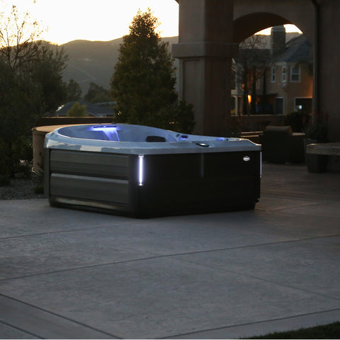 Jacuzzi® Hot Tub J475IP™