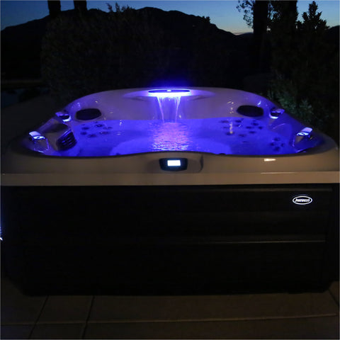 Jacuzzi® Hot Tub J485IP™