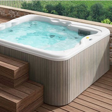 Jacuzzi® Hot Tub Lodge™ L