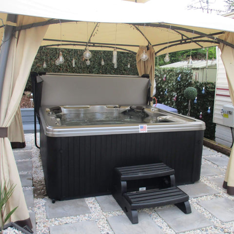 Outdoor Luxury Hot Tub