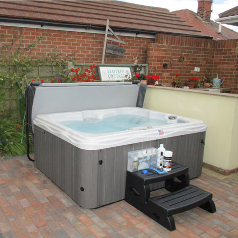 Outdoor Traditional Hot Tub
