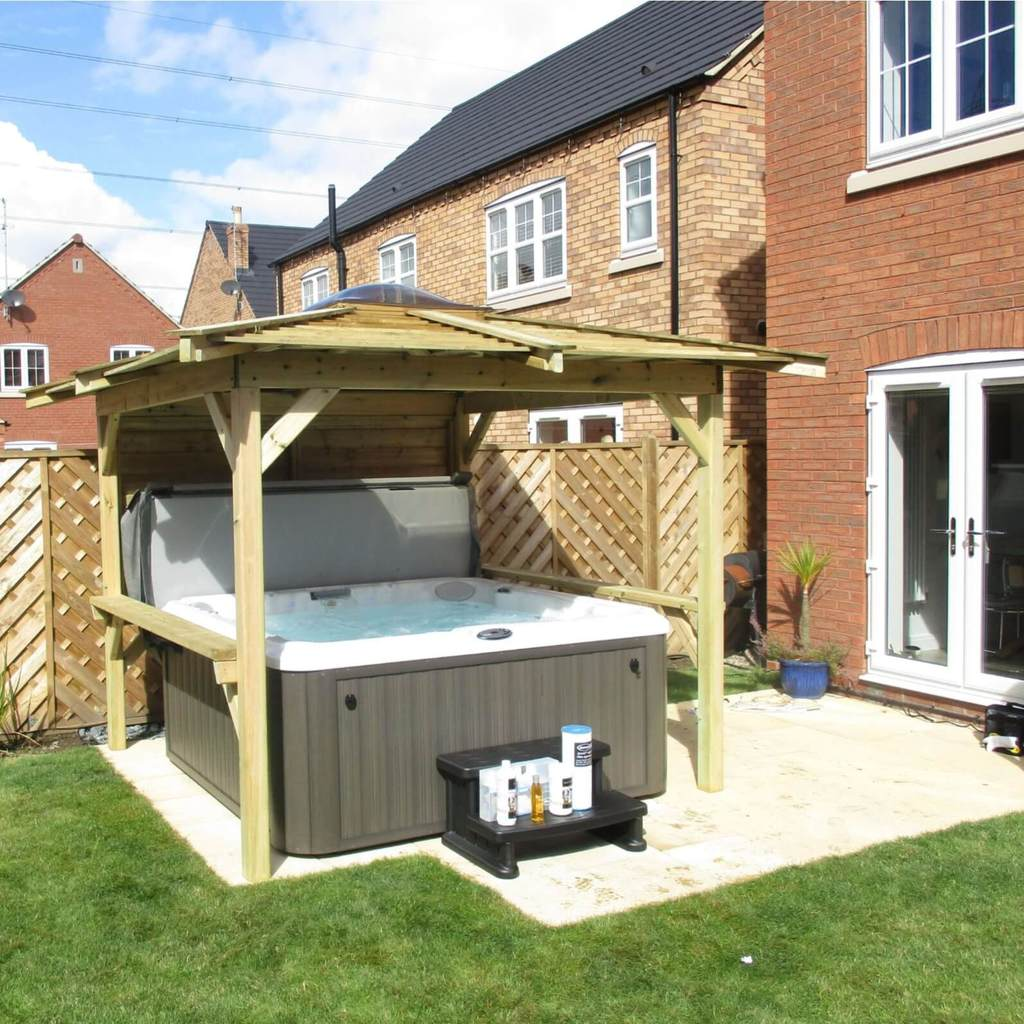 Outdoor Adventure Standard Hot Tub