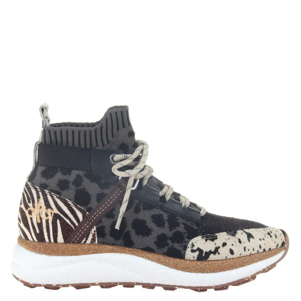 HYBRID in ANIMAL PRINT, right view